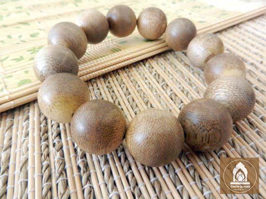 Mua vòng tay gỗ trầm hương Nha Trang ở đâu